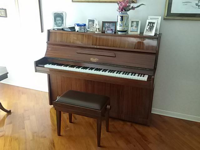 Elios sas sgabello per pianoforte e shopper