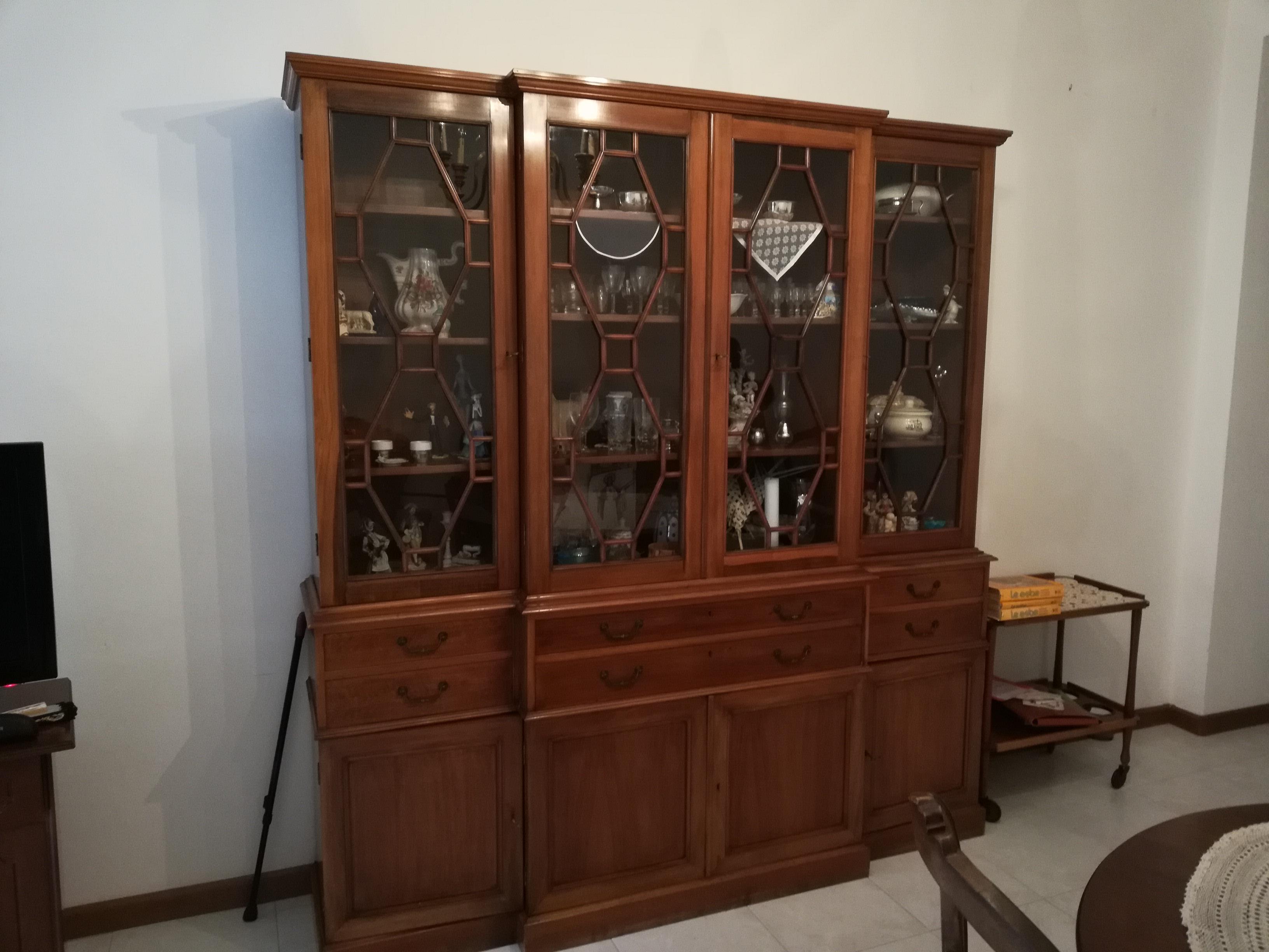 armadio 2 ante 2 cassetti Usato Cagliari - Elios96